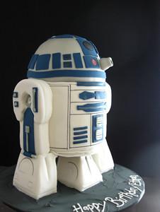 R2D2 Sculpted Cake