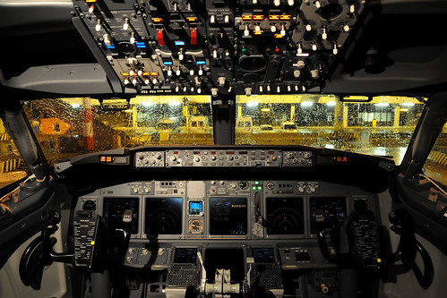 Cockpit Boeing 737-8K2 - KLM - PH-BGB