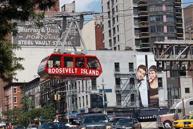 Roosevelt Island Tram over 2nd Ave