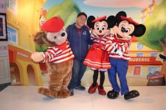 Meeting Parisian Mickey, Minnie and Duffy at Cafe Fantasia