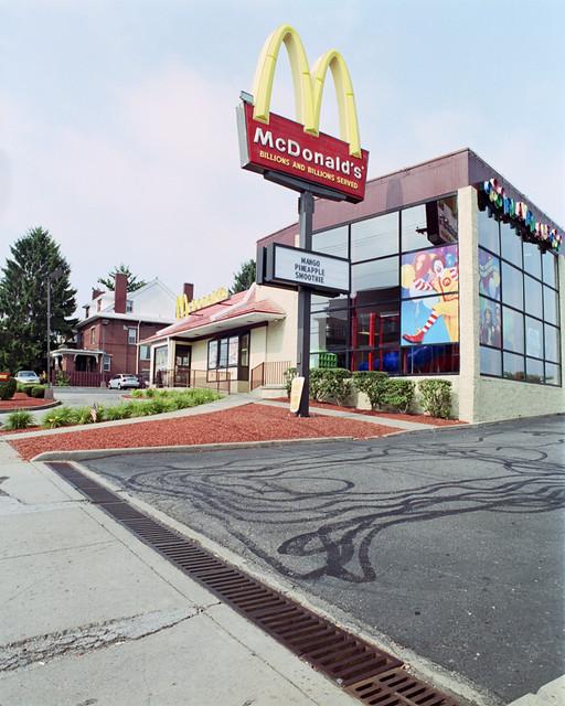 マクドナルドもFC展開しています