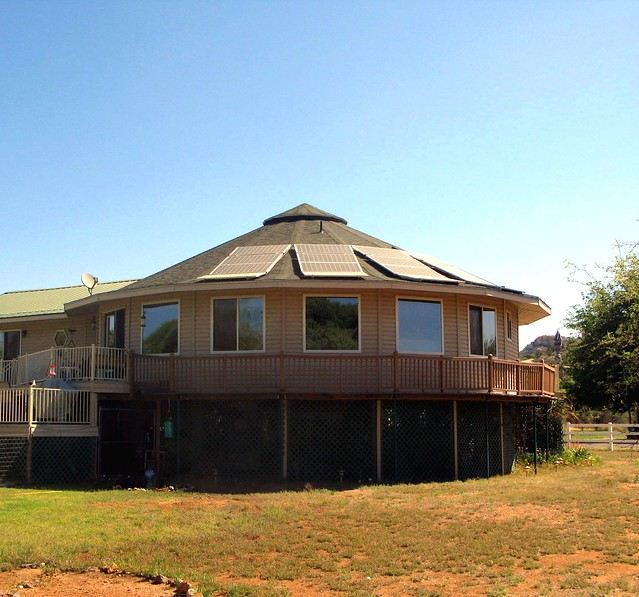 Deltec Homes Green Homeowners - Photovoltaic cells from a grid-tied ...