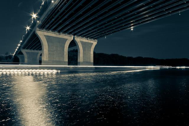 Under The Bridge Restaurant Nyc