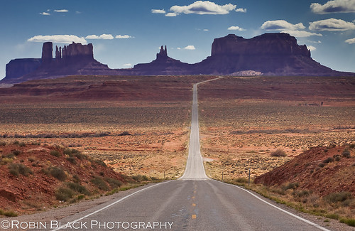 Run, Forrest! Run! (yes, THAT road--Monument Valley, UT)