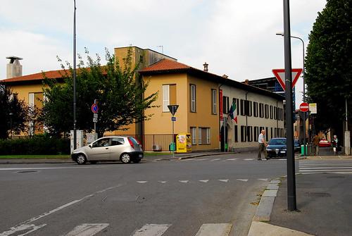 """via Belloveso, Milano dal libro """"La vita operosa - Avventure del '19 a Milano"""" di Massimo Bontempelli"""