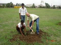 agriculture(0.0), crop(0.0), plantation(0.0), farm(1.0), field(1.0), soil(1.0), gardener(1.0), farmworker(1.0), lawn(1.0),
