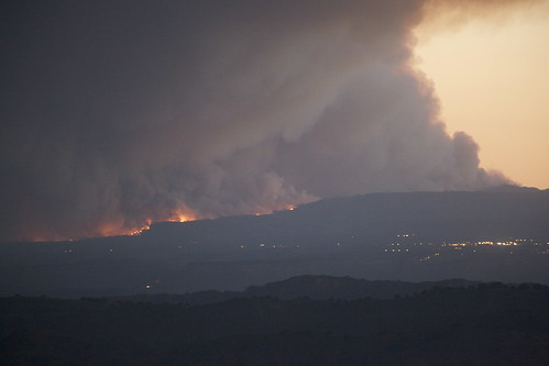 Las Conchas Fire: Los Alamos dwarfed by huge smoke plume
