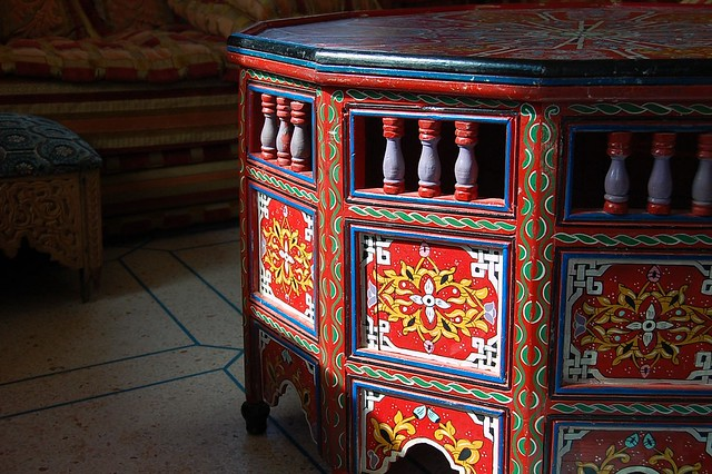 Moroccan Hand Painted Table · U0027