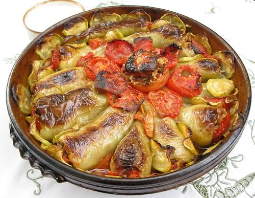 Speca te mbushura me mish a photo on flickriver for Albanian cuisine kuzhina shqiptare photos