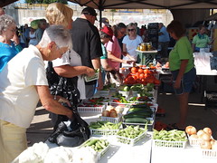 Shreveport Farmers' Market: Line for fresh produce