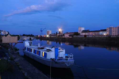 Kunstschiff Schute Vita in der Dämmerung. Offenbach 2011 --- schute-vita-1090177