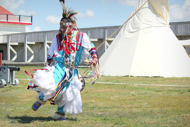 Native culture in North Dakota by CC user lindseygee on flickr
