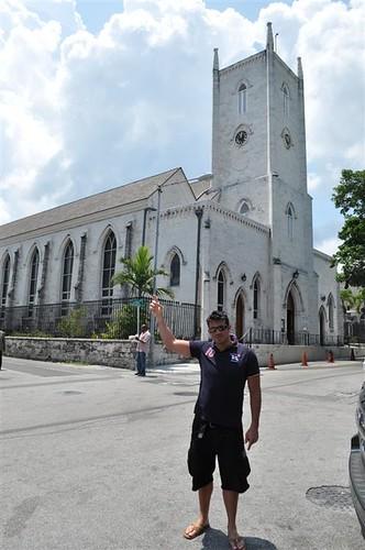 Catholic Church, con su impresionante y alta Water Tower Bay Street y el downtown de Nassau, el corazón de Bahamas - 5967305806 86414edc87 - Bay Street y el downtown de Nassau, el corazón de Bahamas