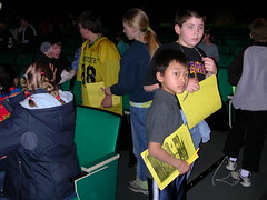 2004_RDellinger_Telepresence-students with folders
