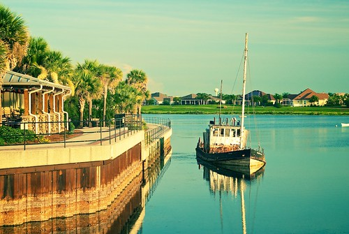 sunset lake water pier boat pond florida palmtrees shipwreck
