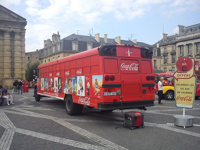 bus 1 anniversaire 125 ans coca cola place de la victoire bordeaux flickr photo sharing. Black Bedroom Furniture Sets. Home Design Ideas