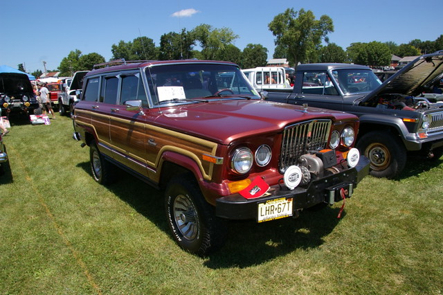 Jeep Grand Wagoneer >> 1986 Jeep Grand Wagoneer With Retro Grill (Class 6 ...