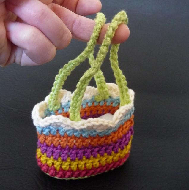 Crochet Bag Pattern Cotton : GIRLS CROCHET PURSE ? Crochet For Beginners