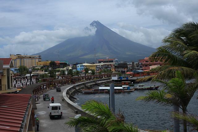 Legazpi Philippines  city photo : Embarcadero, Legazpi City Philippines | Explore Litmakuletz ...