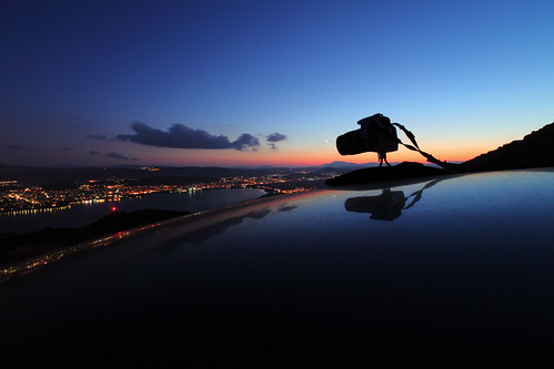 camera city roof light sunset sky cloud lake color reflection water car silhouette horizontal canon landscape outdoors photography rebel view dusk tripod nopeople mini greece getty 1855 xsi ioannina epirus ελλάδα 450d pamvotis ιωάννινα subgetty