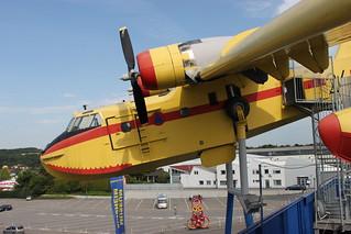 Seite: Canadair CL-215