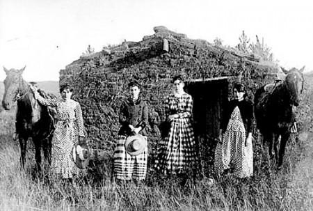 Pioneer Women 1800s