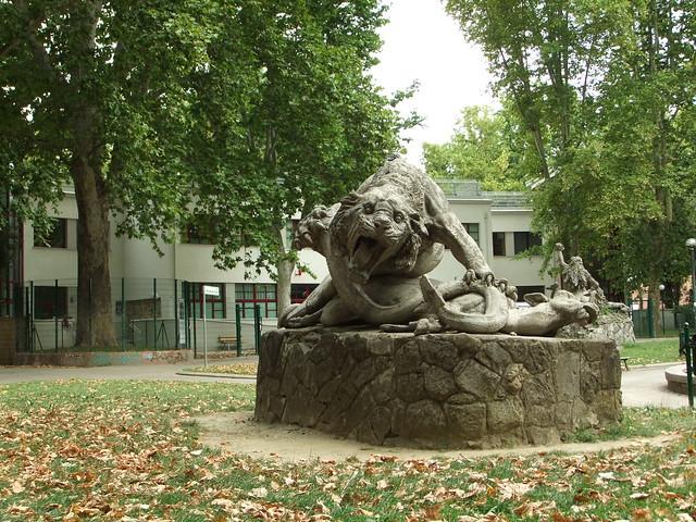 Bologna - Parco della Montagnola - Statua