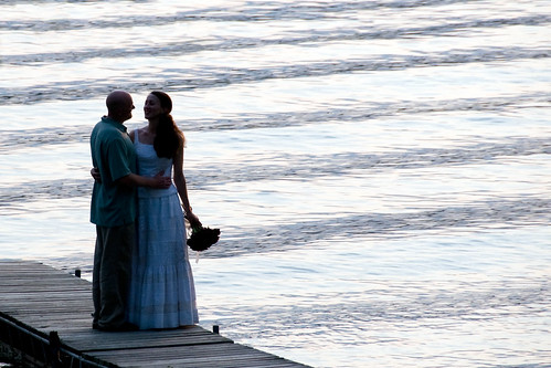 wedding lake ny water groom bride couple waves ceremony fingerlakes keukalakestatepark