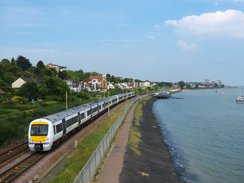 c2c class 357 between Chalkwell and Leigh-on-sea