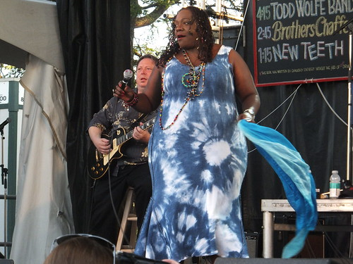 Thornetta Davis at Ottawa Bluesfest 2011