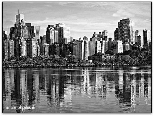 bw skyline eastriver manhattanskyline highcontrastbw backwhereibelong nikond70070300mmf4556lens 2bdrm2bathrvrview
