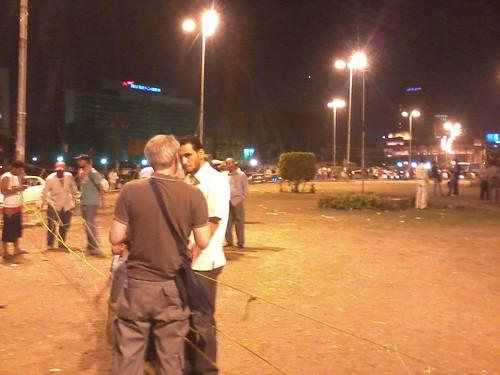 مصرى يتحدث الى سائح #tahrir 25/7/2011