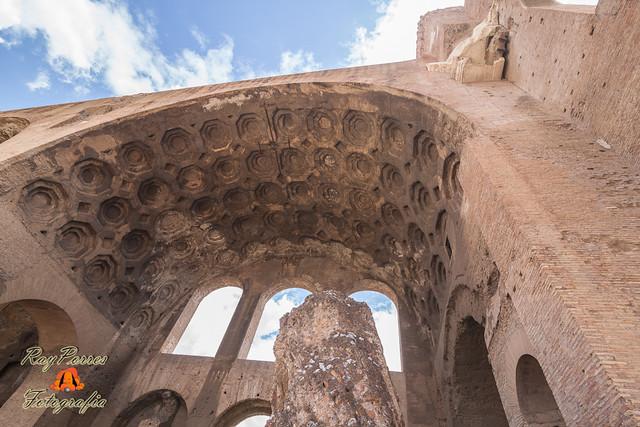 La Basílica de Majencio y Constantino. Foro de Roma, Italia