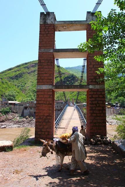 Suspension bridge, only suitable for foot traffic, Kashmir