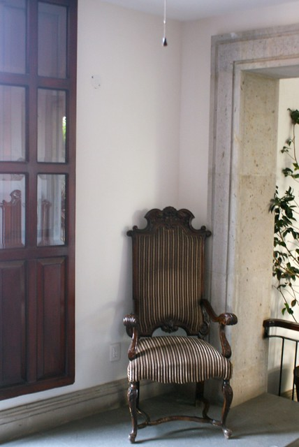 Muebles de poca que ayudan a ambientar flickr photo - Muebles de epoca ...