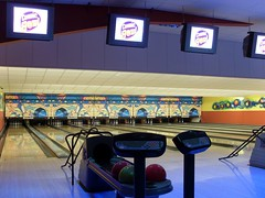 sport venue(0.0), team sport(0.0), individual sports(1.0), sports(1.0), room(1.0), ball game(1.0), ten-pin bowling(1.0), bowling(1.0),
