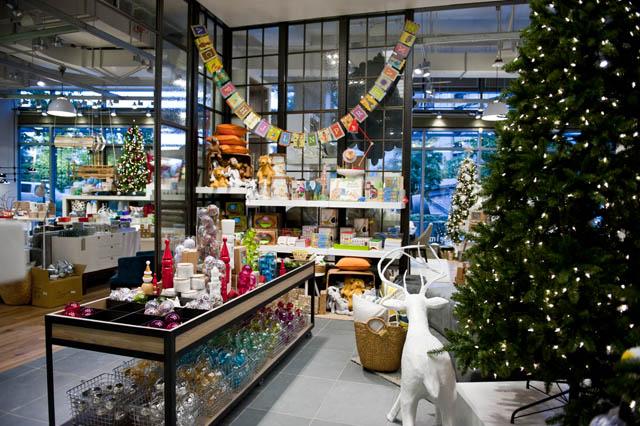 West Elm Christmas Display.West Elm Seattle Store Preview Photos By Suzi Pratt