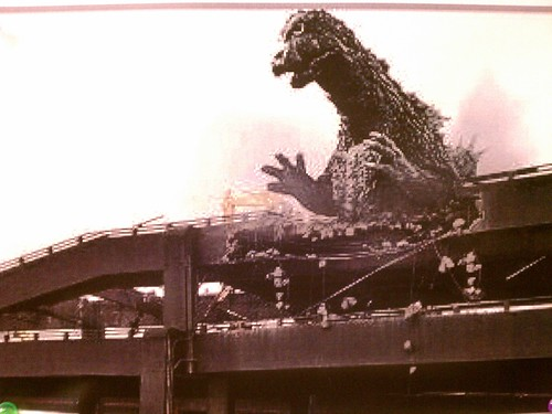 Seattle's Alaskan Way Viaduct gets it due from Godzilla. Whatwhat!
