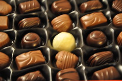 chocolate truffle, confectionery, brown, chocolate balls, sweetness, bonbon, food, close-up, chocolate, snack food, praline,