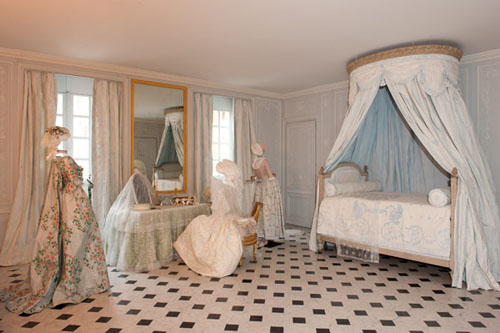 This is versailles marie antoinette 39 s bathrooms for Interieur provence