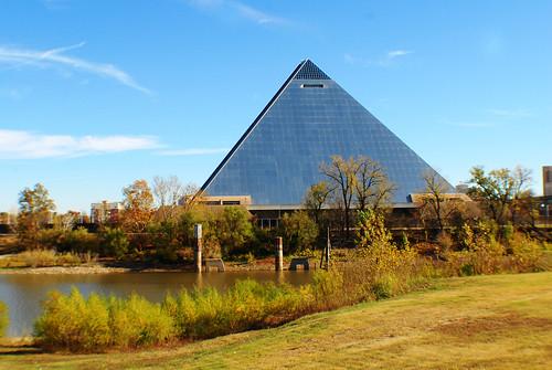 Pyramid  by joespake