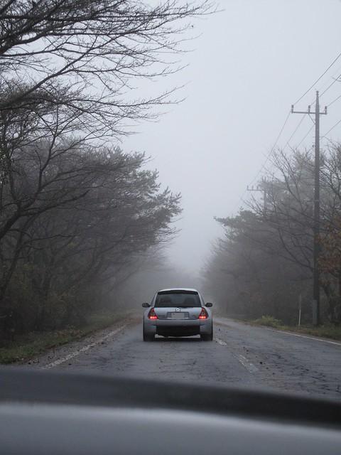 霧の中を行くClio V6