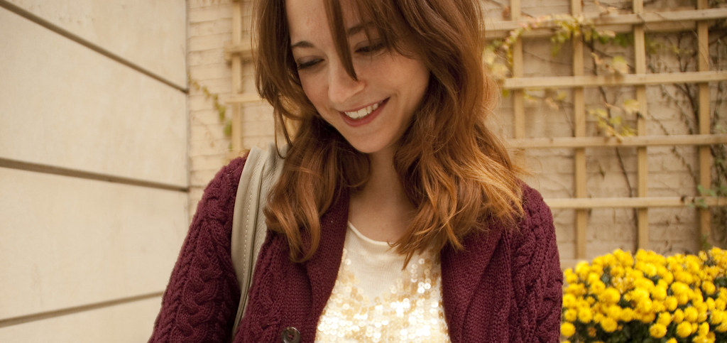 dashdotdotty, outfit blog, sequin sweater, casual saturday, how to, leggings, boots, boy's sweater, maroon