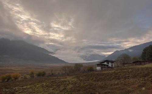 sunrise landscape bhutan hdr gangte 24105mm 5dmarkii phobjikhavalley