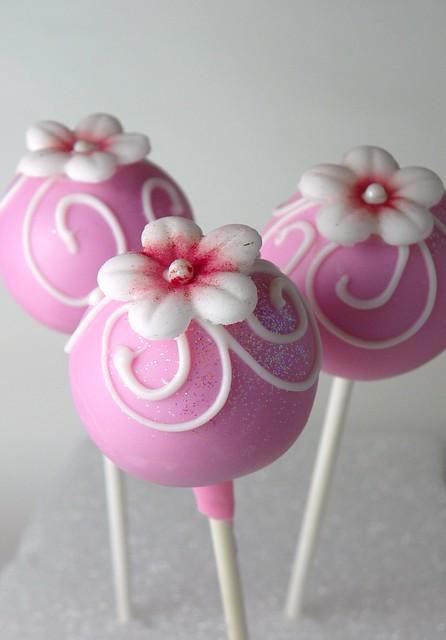 Flower Cake Balls : flower Cake Pops Flickr - Photo Sharing!