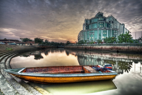 sunset bw reflection building water clouds canon mall river concrete boat skies yamaha brunei 1022mm hdr watertaxi cpl manfrotto gadong hoya photomatix nd8 eos50d phottix menglaitriver