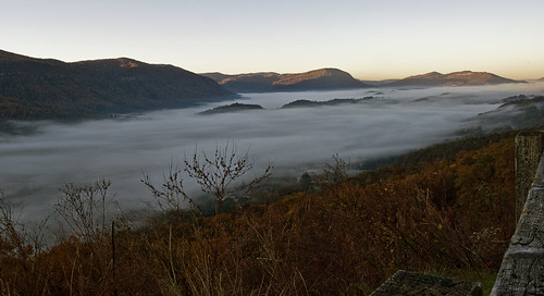 morning autumn mountains fall nature fog virginia morninglight norton autumncolors valley overlook blanketed nikond60 wisecounty hwy23 kjerrellimages jameswalkerrobinson