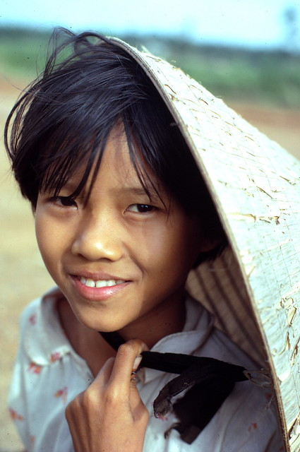 Quang Tri 1967 - Vietnamese girl - Photo by Edward Palm