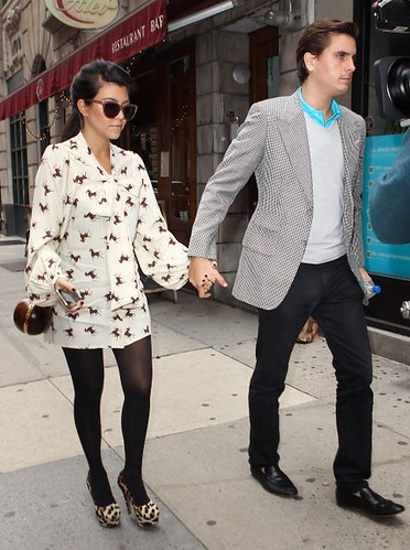 Kourtney-Kardashian-Scott-Disick-Date-Night-100411-4-481x6461