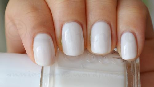 essie-marshmallow-2